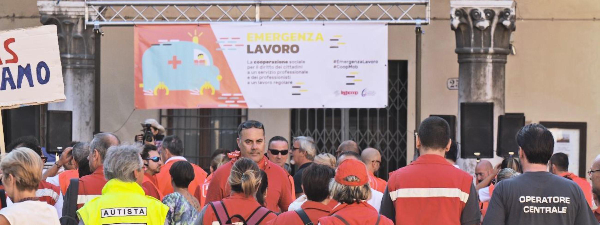 LC-16_EMERGENZA-LAVORO_05